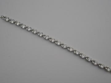 Armband aus Edelstahl mit Swarovski-Kristallen
